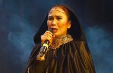 Film Joker Ramai Dibicarakan, Nicky Astria Ogah Nonton - JPNN.com