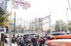 Jam Operasional Truk Tanah di Kota Bekasi Dibatasi - JPNN.com