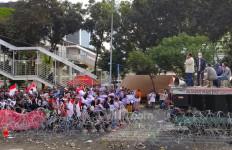 Ada 'Joker' Ikut Demo Tertawakan Penyeru Perppu KPK - JPNN.com