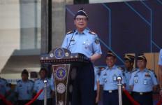 Tjahjo Kumolo Copot Jabatan Seorang ASN yang Berulah di Media Sosial - JPNN.com