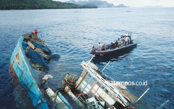 Menteri Susi Kembali Tenggelamkan 40 Kapal Pencuri Ikan - JPNN.com