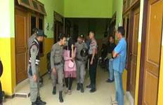 Sepasang Pelajar SMK Sedang Berduaan di Kamar, Lagi Ngapain? - JPNN.com