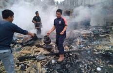 Api Pertama Kali Muncul dari Kios Sa'diah dan Menghanguskan 16 Bangunan - JPNN.com