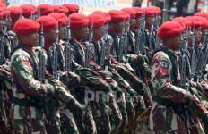 Baku Tembak TNI-Polri vs KKB Selama 5 Jam, 1 Tewas, Hermanus Tertangkap - JPNN.com