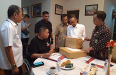 HB Center Serahkan Bantuan untuk Warga Terdampak Asap di Riau - JPNN.com