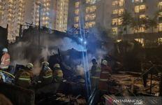 Kebakaran Hebat di Cawang Atas, 20 Unit Rumah Hangus Terbakar, 3 Warga Terluka - JPNN.com