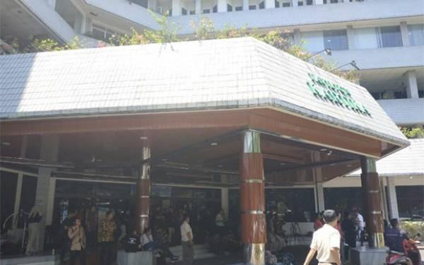 Akbar Alamsyah, Korban Demo Pelajar Itu Masih Koma, Ibunya Sempat Pingsan - JPNN.com