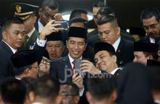 Harusnya Semua Orang Gembira Bukan Nyinyir Momen Pelantikan Presiden - JPNN.com