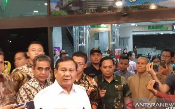 Usai Jenguk Wiranto, Prabowo Besuk Kivlan Zen di RSPAD - JPNN.com