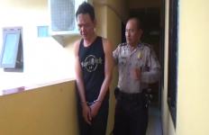 Pencuri Kotak Amal Diikat di Pagar dan Dikeroyok Massa - JPNN.com