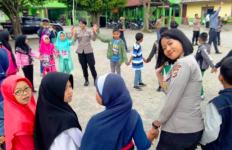 Polda Papua Terjun ke SD Wamena Beri Pemulihan Trauma - JPNN.com