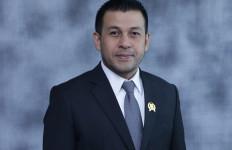 DPRD Minta Anies Abaikan Protes soal Larangan Kantong Plastik - JPNN.com