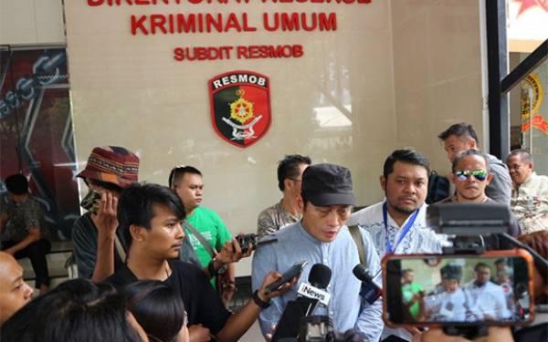 Ninoy Karundeng Ancam Laporkan Pengurus Masjid - JPNN.com