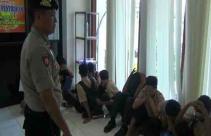 Operasi Sayang, Puluhan Pelajar Lari Kocar-Kacir TNI-Polri Datang - JPNN.com