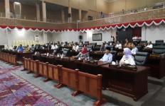 10 dari 45 Anggota DPRD Gadaikan SK Buat Pinjam Uang - JPNN.com
