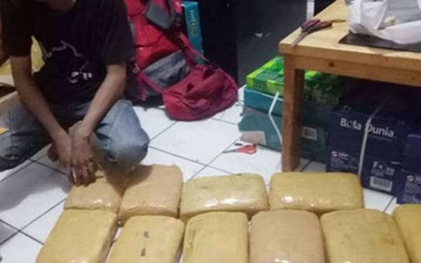 Simpan 38 Kg Ganja, Remaja 19 Tahun di Depok Terancam Hukuman Mati - JPNN.com