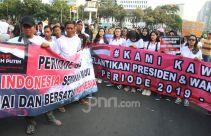 Gelar Aksi di Patung Kuda, Harapkan 01 & 02 Menyatu saat Pelantikan Jokowi - JPNN.com