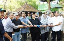 Menteri Siti Lepas Liar 14 Ekor Curik Bali - JPNN.com