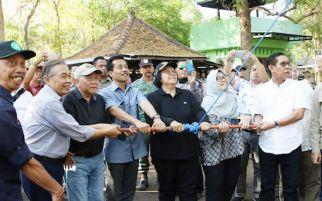 Menteri Siti Lepas Liar 14 Ekor Curik Bali