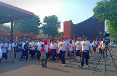 Senam Indonesia Bergerak Bikin Meriah Giat Gayeng Regeng, Mlaku Bareng - JPNN.com