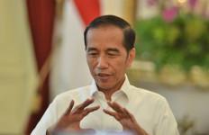 Pak Jokowi Mengaku Tak Perintahkan Polri Larang Demo Jelang Pelantikannya - JPNN.com