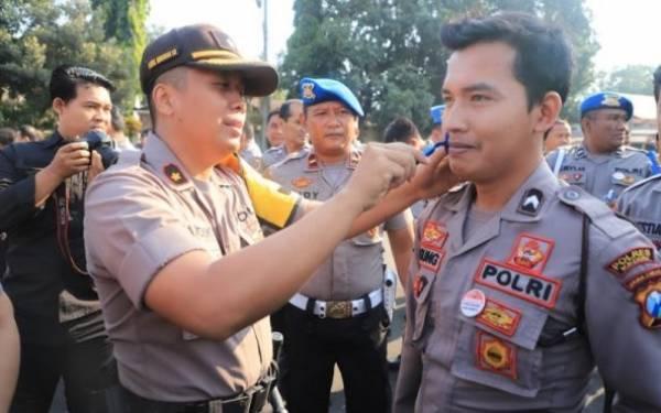 Begini Alasan Pak Kapolres Larang Anggotanya Berkumis - JPNN.com
