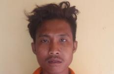 Abdul Hakim Sok Jagoan Acungkan Celurit ke Polisi, Dor! - JPNN.com