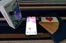 Mengulas Samsung Galaxy A30s: Harga Murah Fitur Sekelas Hp Mewah - JPNN.com