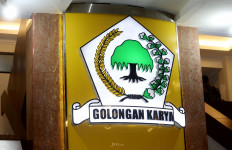 Aziz Syamsudin Diminta Tak Baperan soal Peluang Bamsoet Maju Jadi Caketum Golkar - JPNN.com