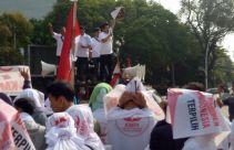 Jelang Pelantikan Presiden, KMPI Serahkan Sabuk Nusantara ke Jokowi - JPNN.com