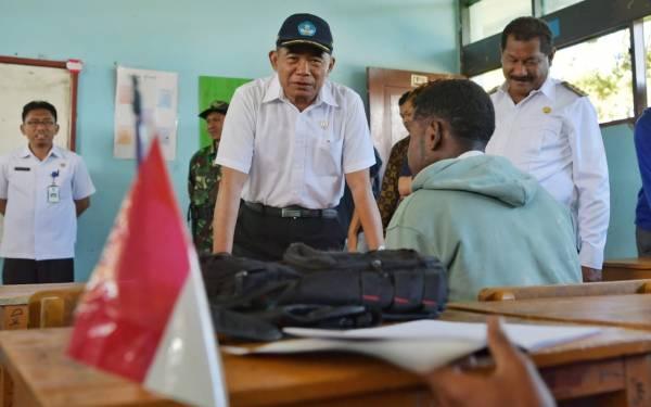 Mendikbud Pastikan Rehabilitasi Sekolah Rusak Pascakerusuhan Wamena - JPNN.com