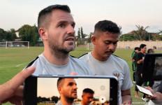 Simon McMenemy: Pemain Lupa Ini Main di Piala Dunia, Bukan Level Liga 1 - JPNN.com