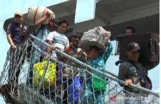 Inilah Wajah Lelah 519 Warga yang Berlayar dari Wamena Kembali ke Kampung Halaman - JPNN.com