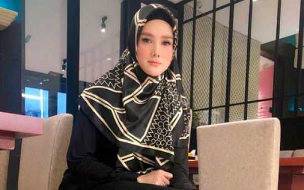 Disinggung KPK Soal Kacamata, Begini Penjelasan Mulan Jameela - JPNN.com