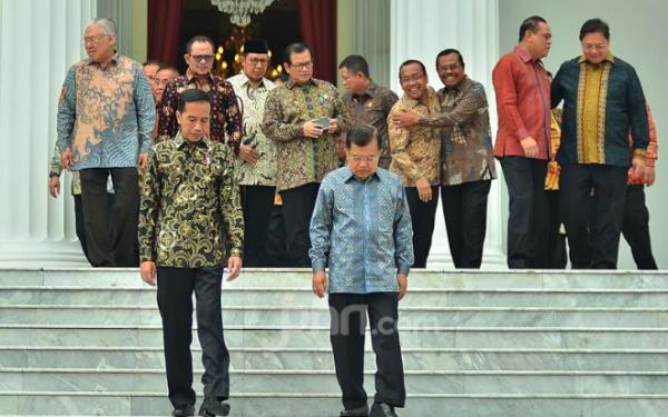 Mengharukan, Perpisahan Jokowi dan Para Menteri Kabinet, Ada Yang Berangkulan - JPNN.com