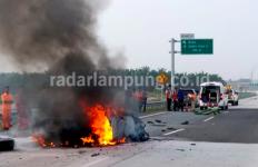 Kecelakaan Maut di JTTS, 4 Penumpang Sedan Tewas Terbakar - JPNN.com