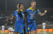 Lupakan Kemenangan atas Persebaya, Persib Alihkan Fokus ke Bhayangkara FC - JPNN.com