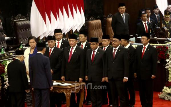 Menteri Kabinet Kerja Jilid II Disarankan Minum Temu Lawak Dua Gelas - JPNN.com