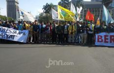 Demo di Dekat Istana, Mahasiswa Tuntut Jokowi Selesaikan Kasus Pelanggaran HAM - JPNN.com