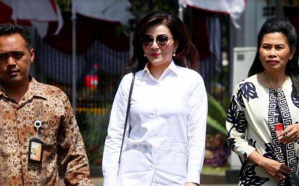 Ini Profil Bupati Minahasa Selatan, Perempuan Cantik yang Mendadak Datang ke Istana Negara - JPNN.com