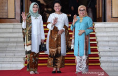Pelantikan Presiden: Warganet Bahas Busana Iriana Jokowi - JPNN.com