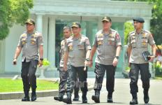 Dipanggil Jokowi, Kapolri Tito Masuk Istana Lewat Pintu Tak Biasa - JPNN.com
