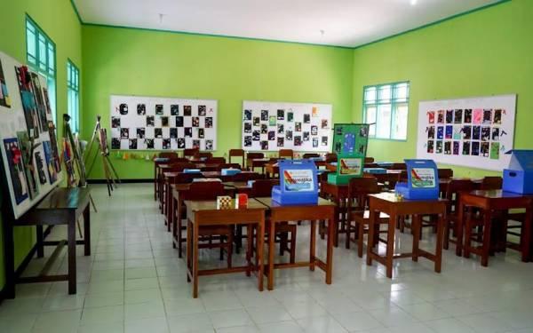 Waskita Karya Bangun Laboratorium Matematika untuk SMPN 19 Purworejo - JPNN.com