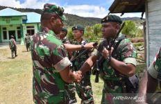 400 Prajurit TNI Sudah Tiba di Papua Barat - JPNN.com