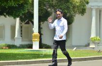 Wishnutama dan Erick Thohir Muncul di Istana, Pakai Kemeja Putih Juga - JPNN.com