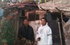 Angin Gusty Menghancurkan Puluhan Rumah, 200 Warga Terpaksa Mengungsi - JPNN.com
