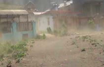Badai Pasir dan Debu Menerpa Lereng Gunung Semeru - JPNN.com