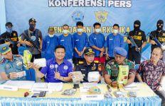 Bea Cukai Berhasil Gagalkan Penyelundupan 2 Kg Narkotika dari Malaysia - JPNN.com