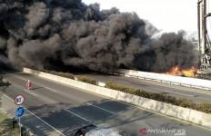 Penyaluran BBM Melalui Pipa Dihentikan PascaKebakaran di Tol Padalarang - JPNN.com