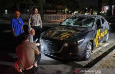 Duel PSIM vs Persis Solo Berakhir Ricuh, Suporter Rusak Mobil Polisi - JPNN.com